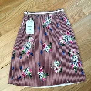 Zara Bottoms - Zara girls pink printed pleated velour skirt